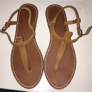 GAP Thong Leather Sandals